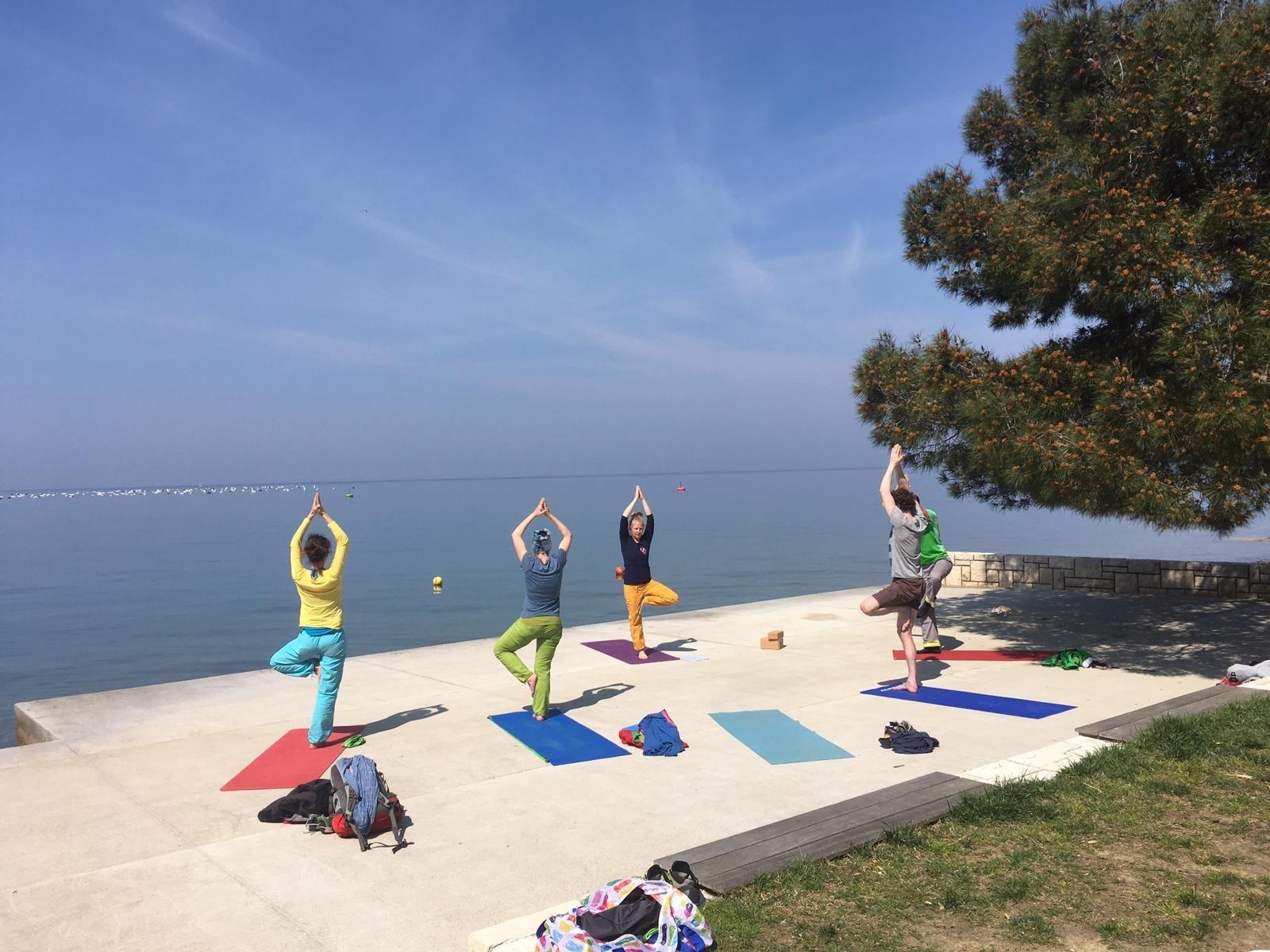 Die Kletterschule: Klettern und Yoga am Meer